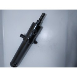 Old-style steering cylinder